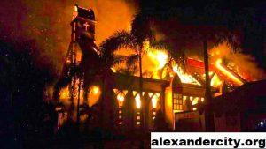 Gereja Metodis Alexander City Terbakar Saat Cuaca Buruk 2021